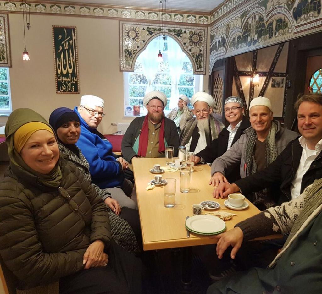 meeting-sheikh-hassan-dyck